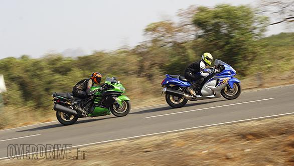 Kawasaki ZX14r And Suzuki Hayabusa Comparo (43)