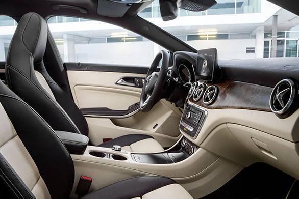 New Mercedes-Benz CLA Shooting Brake interior