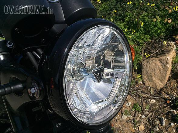 Triumph T120 (8)