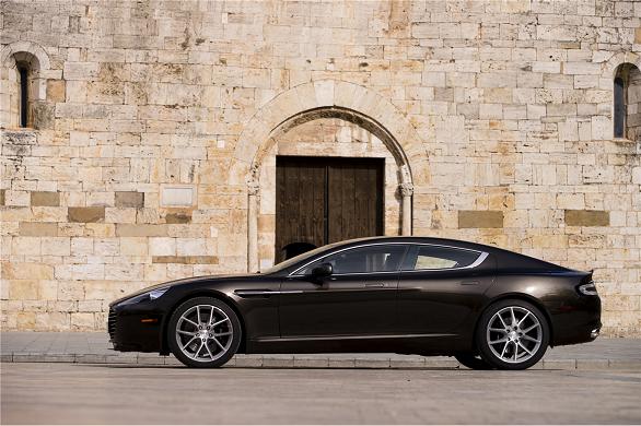 Aston Martin Rapide (12)