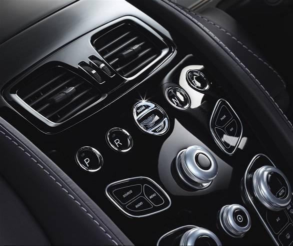 Aston Martin Rapide (4)
