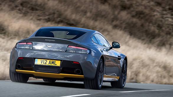 Aston Martin V12 Vantage S (19)