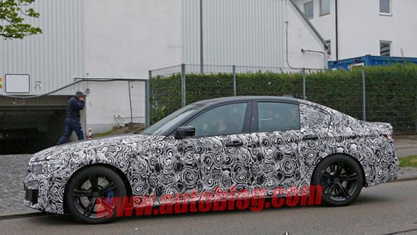 BMW M5 spied (3)