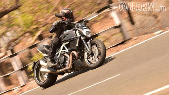 Ducati Diavel (5)