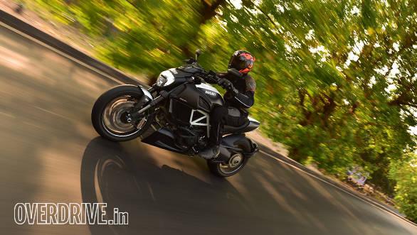 Ducati Diavel (6)
