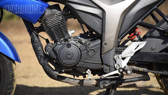 Honda Hornet Vs Suzuki Gixxer (14)