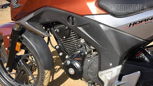 Honda Hornet Vs Suzuki Gixxer (9)