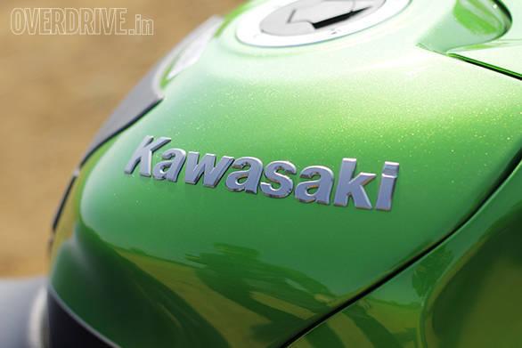 Kawasaki ZX14r And Suzuki Hayabusa Comparo (14)