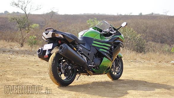 Kawasaki ZX14r And Suzuki Hayabusa Comparo (5)