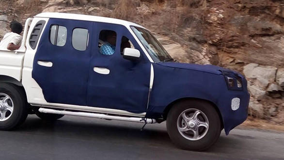 Mahindra-Scorpio-Getaway-facelift-side-spied-on-test-1024x785