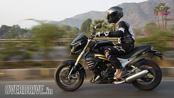 Mahindra Mojo action shot