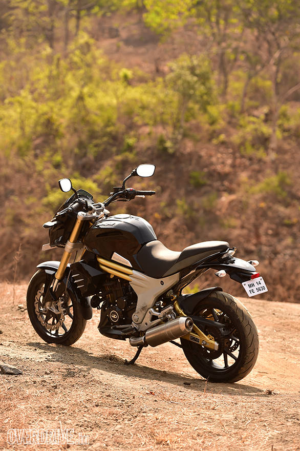 Mahindra Mojo rear static shot