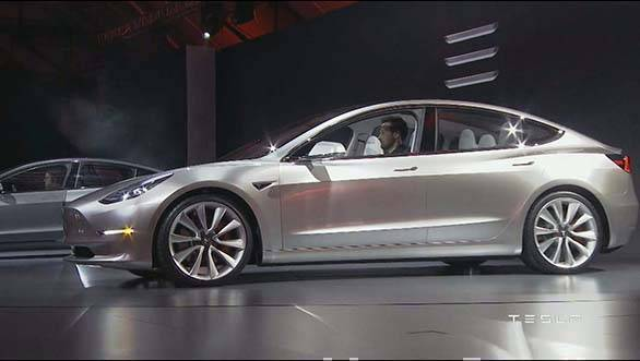 Tesla Model 3 showcase (10)
