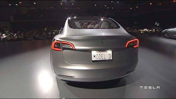 Tesla Model 3 showcase (9)