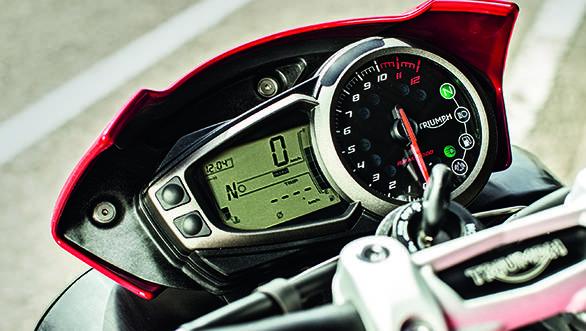 Triumph Speed Triple 2016 (7)