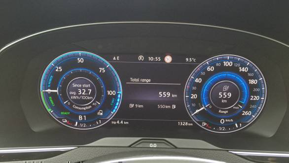 All-digital instrument cluster offers a lot of information. The GTE also gets additional data including total e-drive range