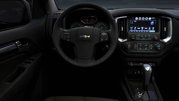 2017-Chevrolet-Trailblazer-interior NEW
