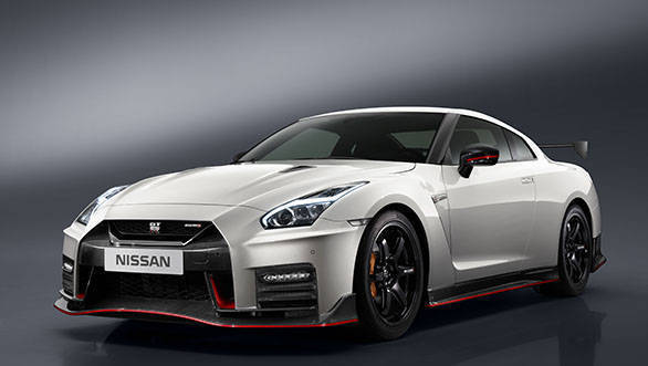 Nissan unveils the 2017 GT-R Nismo