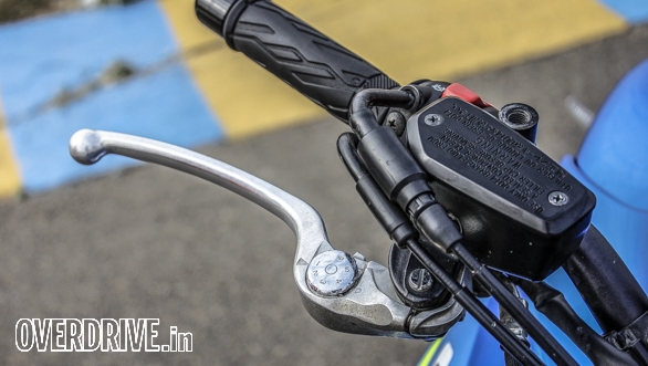 A rubber brake hose on a bike this fast works fine on the road but isn't  a good idea for the racetrack
