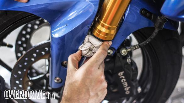 Living With a Superbike - Suzuki GSX - S1000 (5)