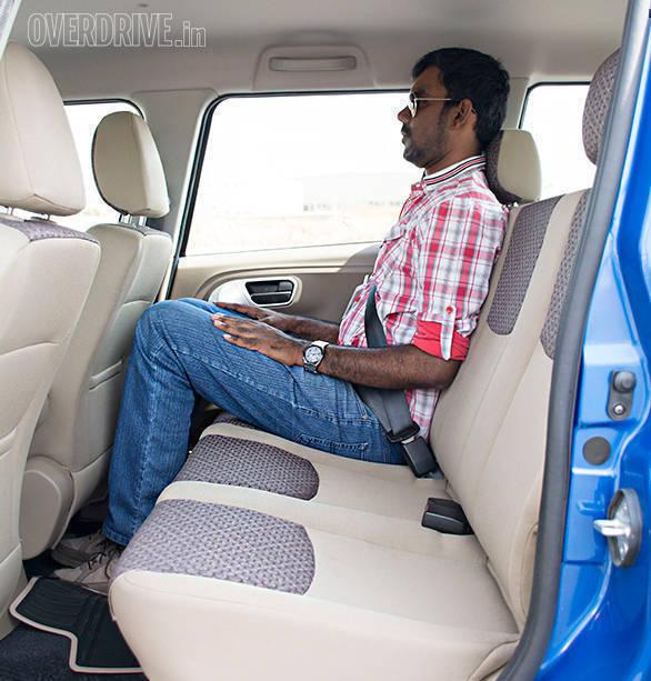 Mahindra TUV300_100PS_1 (4)