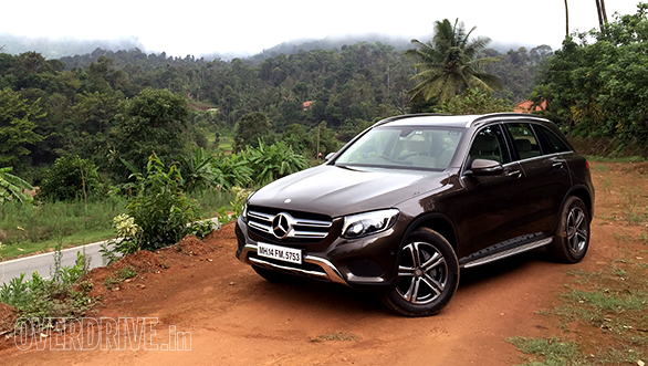 mercedes benz glc 220d 4matic and 300 4matic first drive review overdrive. Black Bedroom Furniture Sets. Home Design Ideas