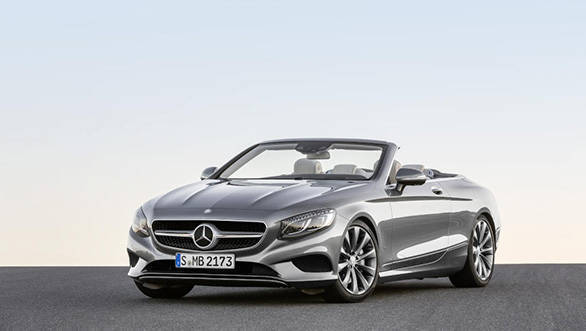 Mercedes-Benz S 500 Cabriolet, 2015. Exterieur: Selenitgrau; Interieur: Leder porzellan/tiefseeblau; Kraftstoffverbrauch  kombiniert (l/100 km): 8,5; CO2 Emissionen kombiniert (g/km): 199 exterior: selenite grey; interior: leather porcelain/deep-sea blue; fuel consumption combined (l/100 km): 8.5; CO2 emissions combined (g/km): 199
