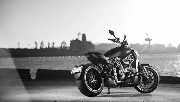 2016 Ducati XDiavel (5)