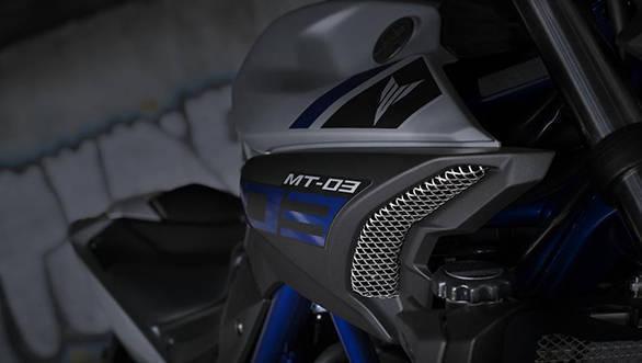 2016 Yamaha MT 03 (1)