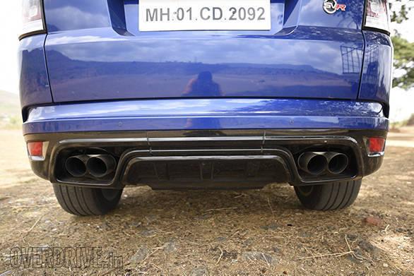 BMW X5M vs Range Rover SVR (23)