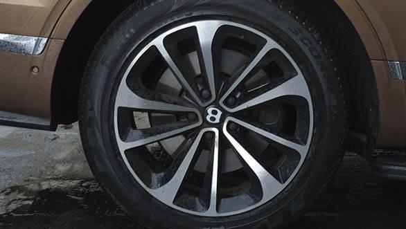 Bentley Bentayga (42)