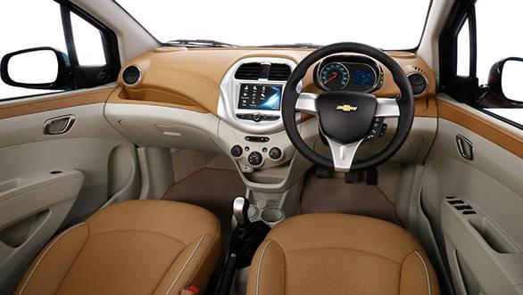 Chevrolet Essentia (12)