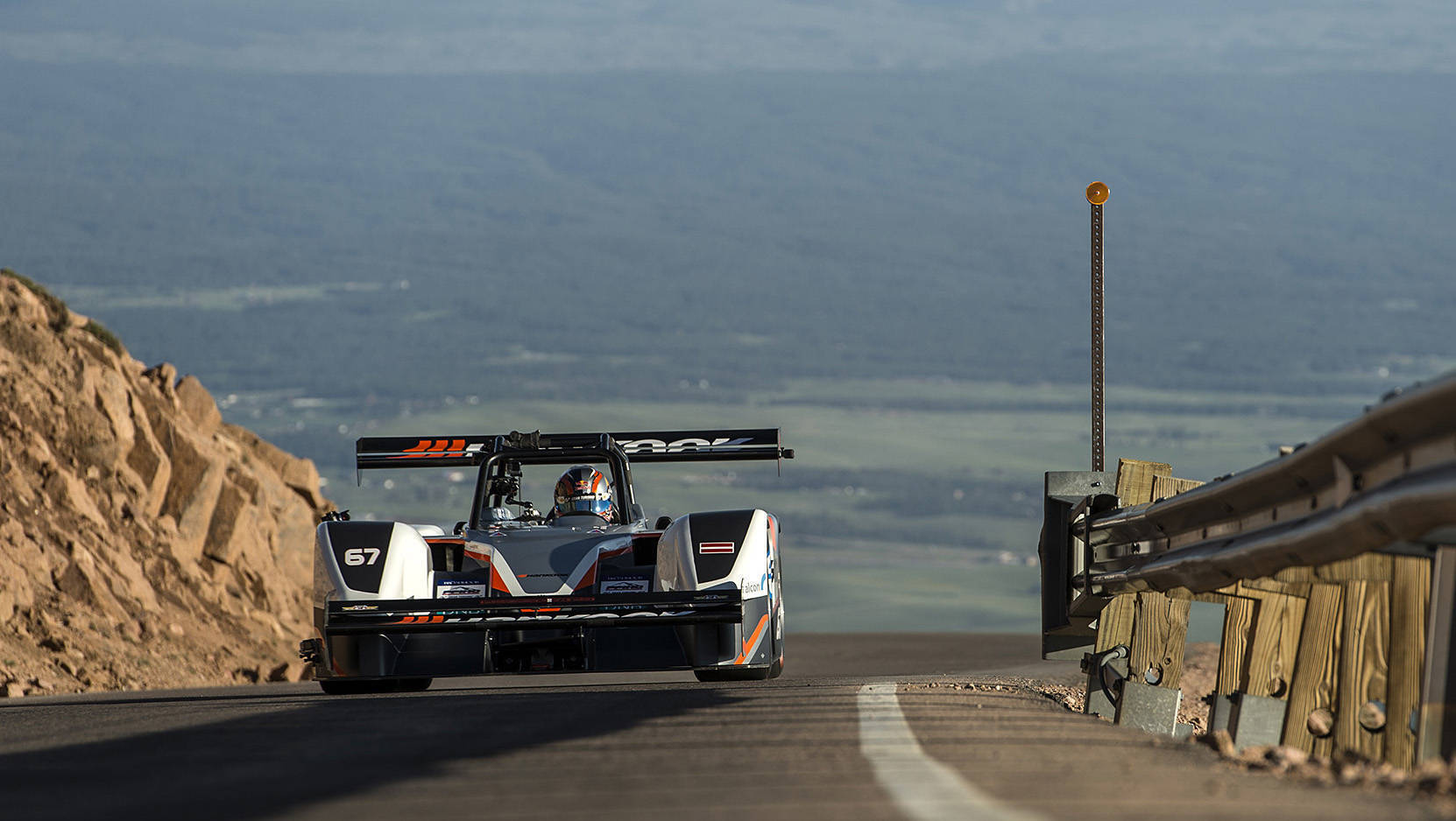 2016 Pikes Peak Hillclimb: Electric vehicles finish second and third overall