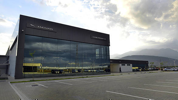 Jaguar-Land-Rover-Brazil-factory-1