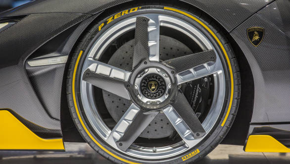 Lamborghini Centenario (11)-2