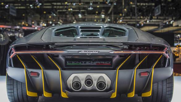 Lamborghini Centenario (12)-2