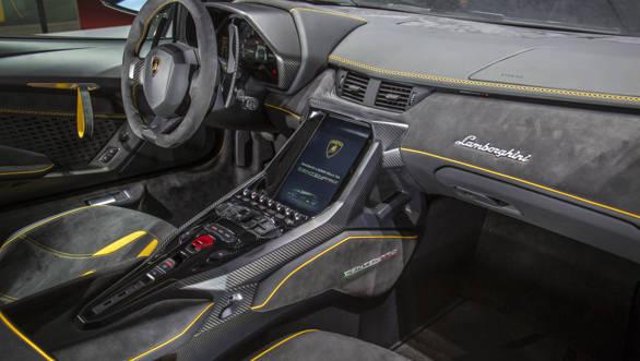 Lamborghini Centenario (16)-2