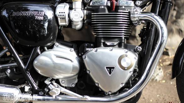 Triumph Bonneville T120 (4)