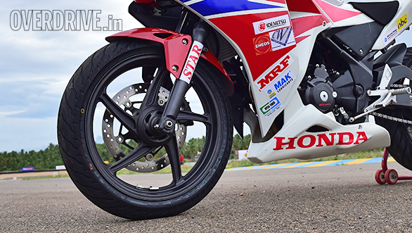 Honda CBR 250R Race Bike (2)