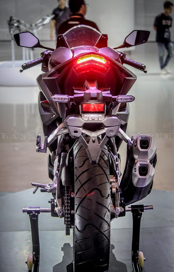 Honda CBR250RR rear view