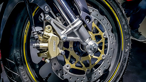 Honda CBR250RR front fork, brake and tyre