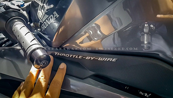 Honda CBR250RR detail