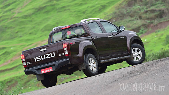 Isuzu D-Max V-Cross  (15)