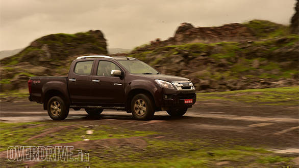 Isuzu D-Max V-Cross  (3)