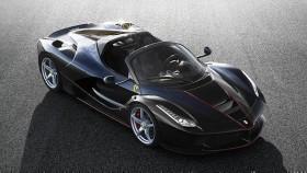 2016 Paris Motor Show: LaFerrari Aperta unveiled