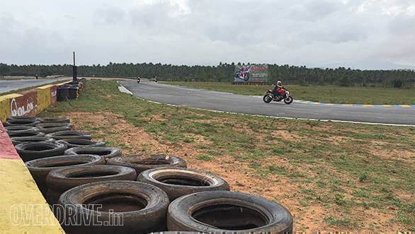OVERDRIVE/IndiMotard wrap up another amazing TWO Track Riding School weekend