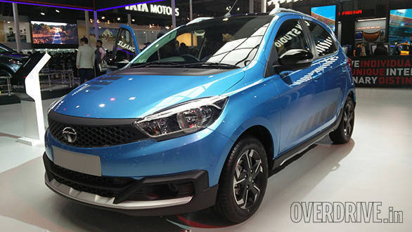 2016 Auto Expo: Tata Tiago based Aktiv crossover on display