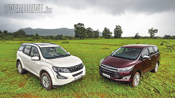 Toyota Innova Crysta AT vs Mahindra XUV500 AT (8)