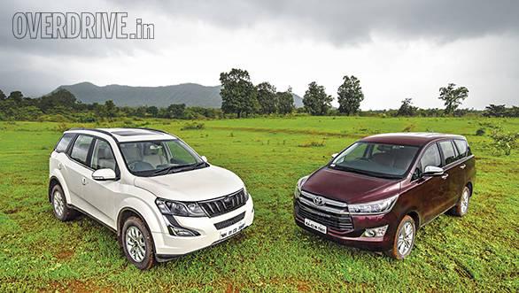 Toyota Innova Crysta AT vs Mahindra XUV500 AT (8)