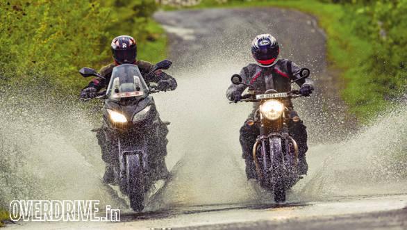 Triumph Street Twin vs Kawasaki Versys (5)
